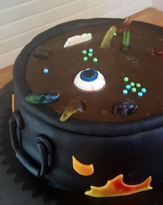 Kitteltårta till Halloween