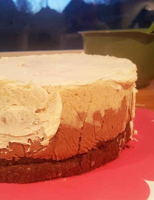 Rose cake - rostårta med smörkräm