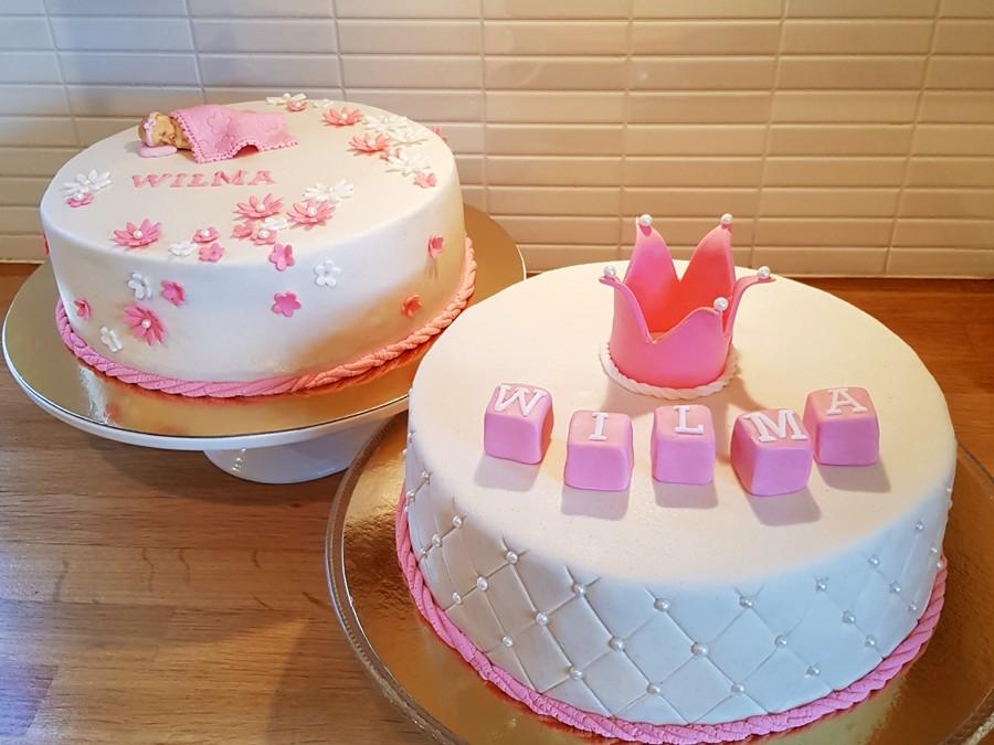 Doptårtor i vitt och rosa