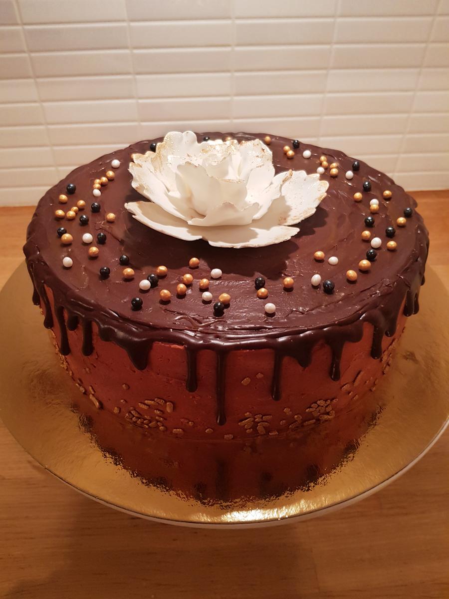 Dripcake med stor blomma