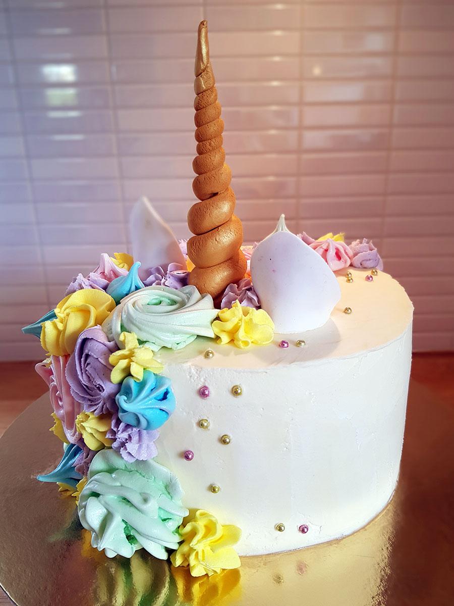 unicorn cake enhörningstårta cakes by camilla